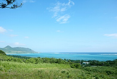 Overlooking the eastern part of the ocean of Ishigaki Island from Tamatorizaki viewpoint